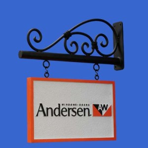 The bold lines of the Classic Hanging Sign Bracket complement the definitive edges of rectangular signs.